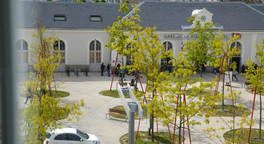 Best Price On Hotel De La Gare Restaurant Bistro Quai In La Roche Sur Yon Reviews