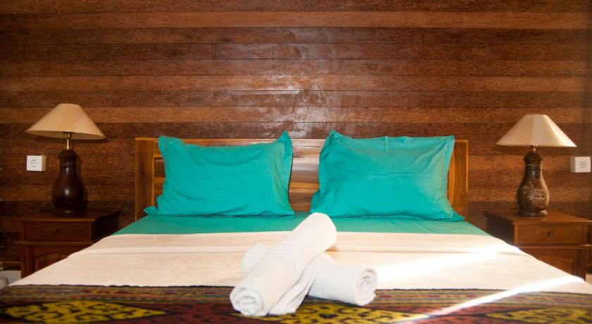 Double Room with Private Bathroom Timbool Bungalow