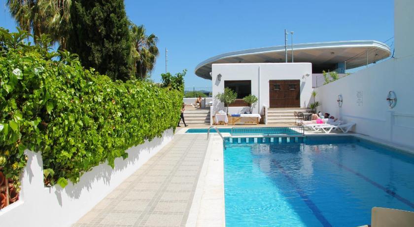 Best time to travel Ibiza Hostal Tarba