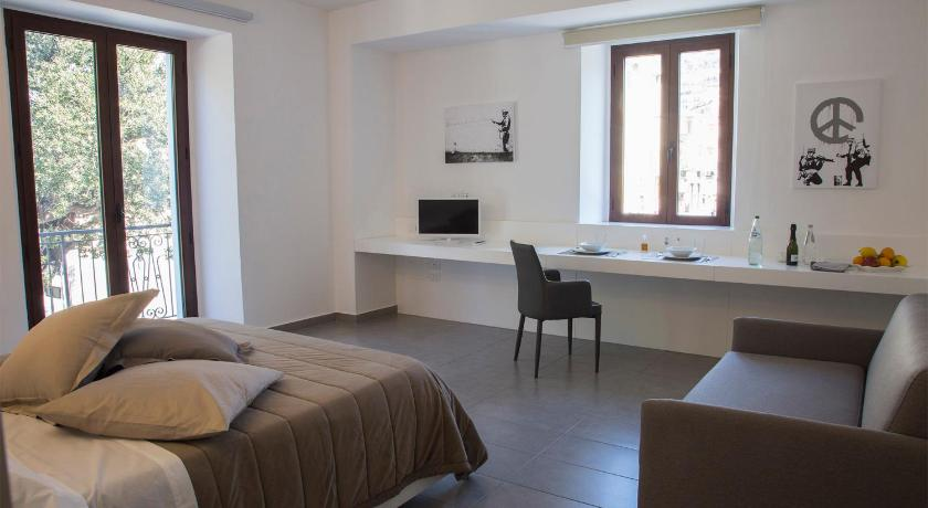 La Chambre Guesthouse/bed and breakfast (Paola) - Deals, Photos