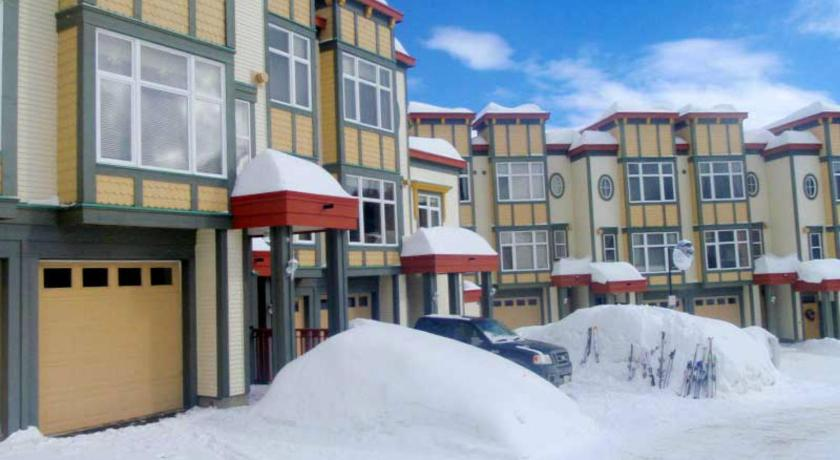 Best time to travel Canada Snowed Inn