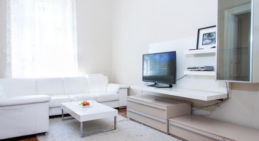 Best time to travel Čakovec Luxury Apartment Marko