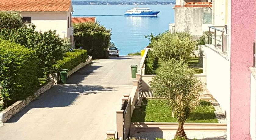 Best time to travel Croatia Villa Pino with Jacuzzi