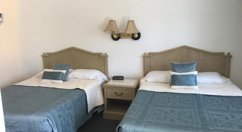 Standard Double Room with Two Double Beds Cape Harbor Motor Inn