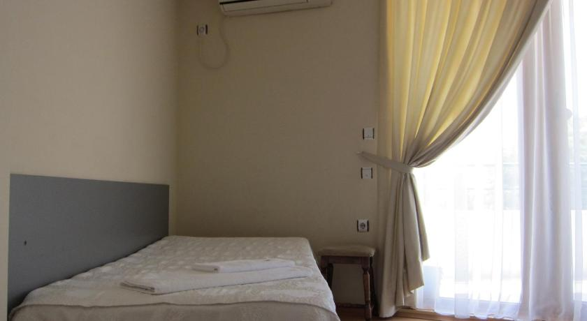 Twin Room with Balcony Family Hotel Bistritsa