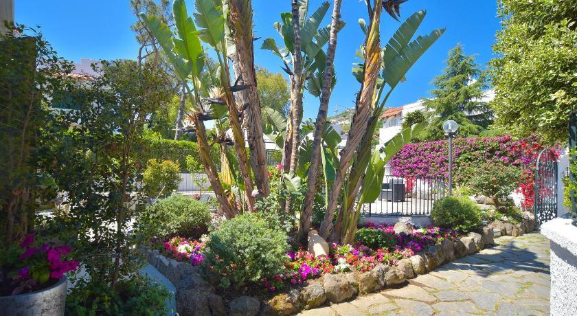 Best time to travel Ischia Villa Fortuna Holiday Resort