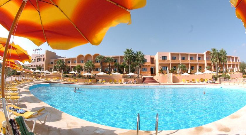 Best time to travel Malta Comino Hotel