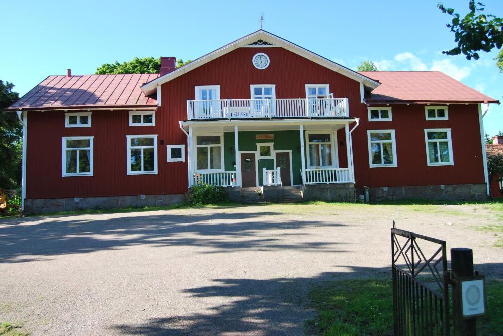 Hyra stuga/semesterhus - Mikael - unam.net
