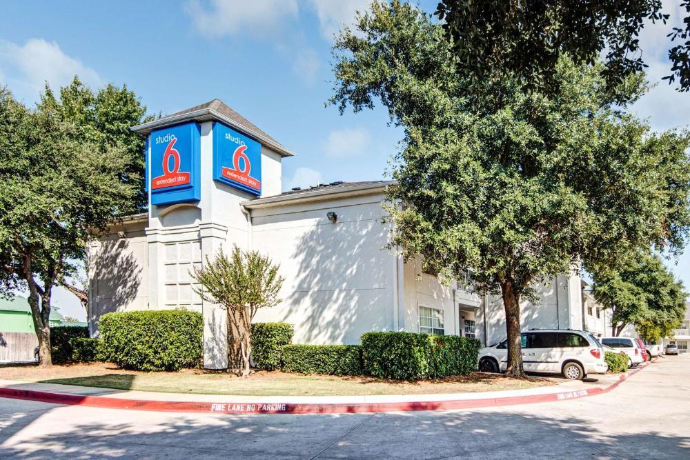 Studio 6 Dallas - South Arlington