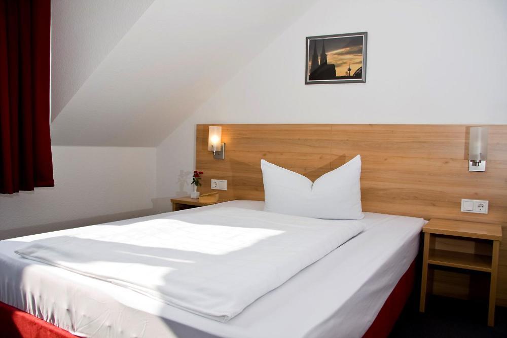 Photo - Airport Hotel Karsten