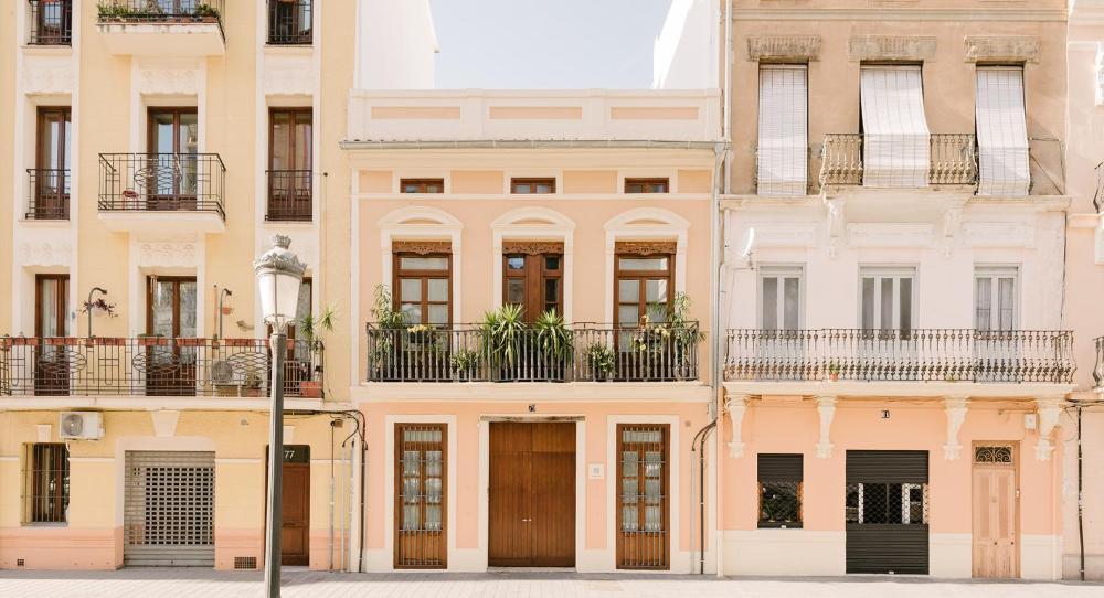 Barracart Apartments