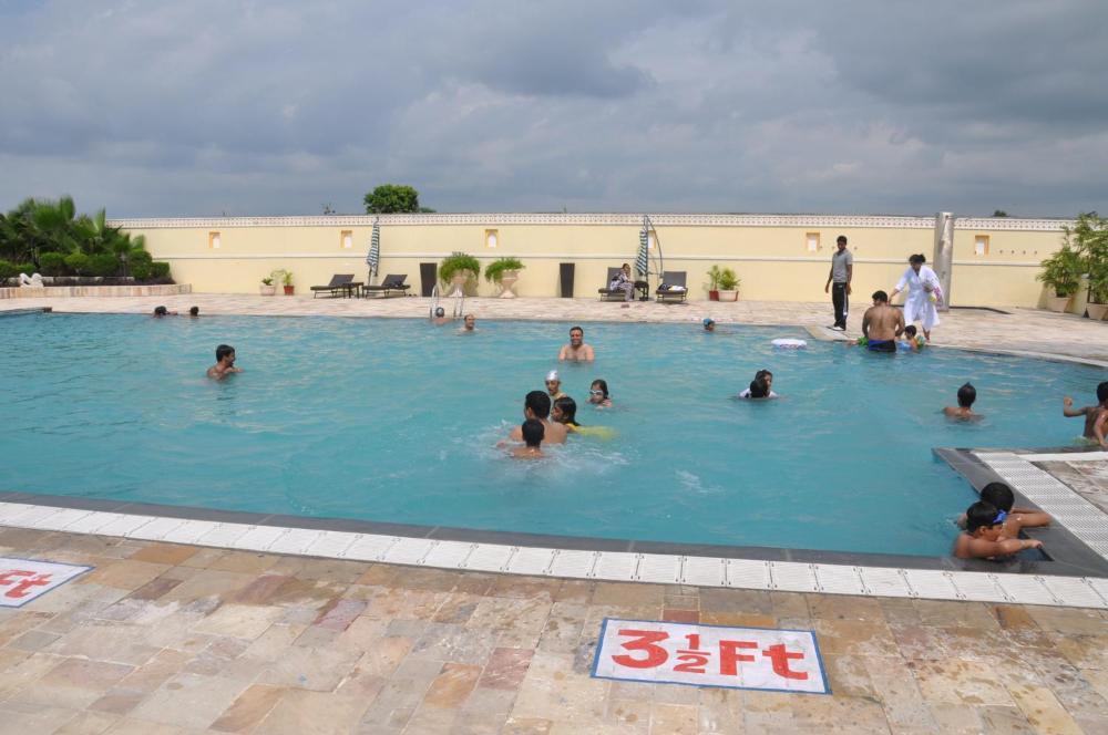 Hotel Noor Mahal कीमतों, तस्वीरें, समीक्षा, पता । भारत