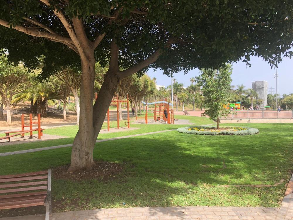 Vivienda 3d Terraza Jardín Prices Photos Reviews Address