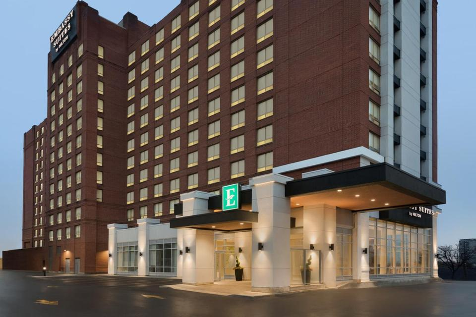 Embassy Suites By Hilton Toronto Airport