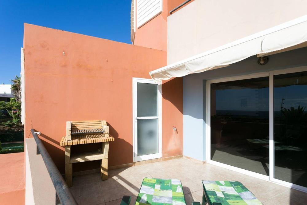 Terraza Al Borde De La Playa Aparcamiento Privado Prices