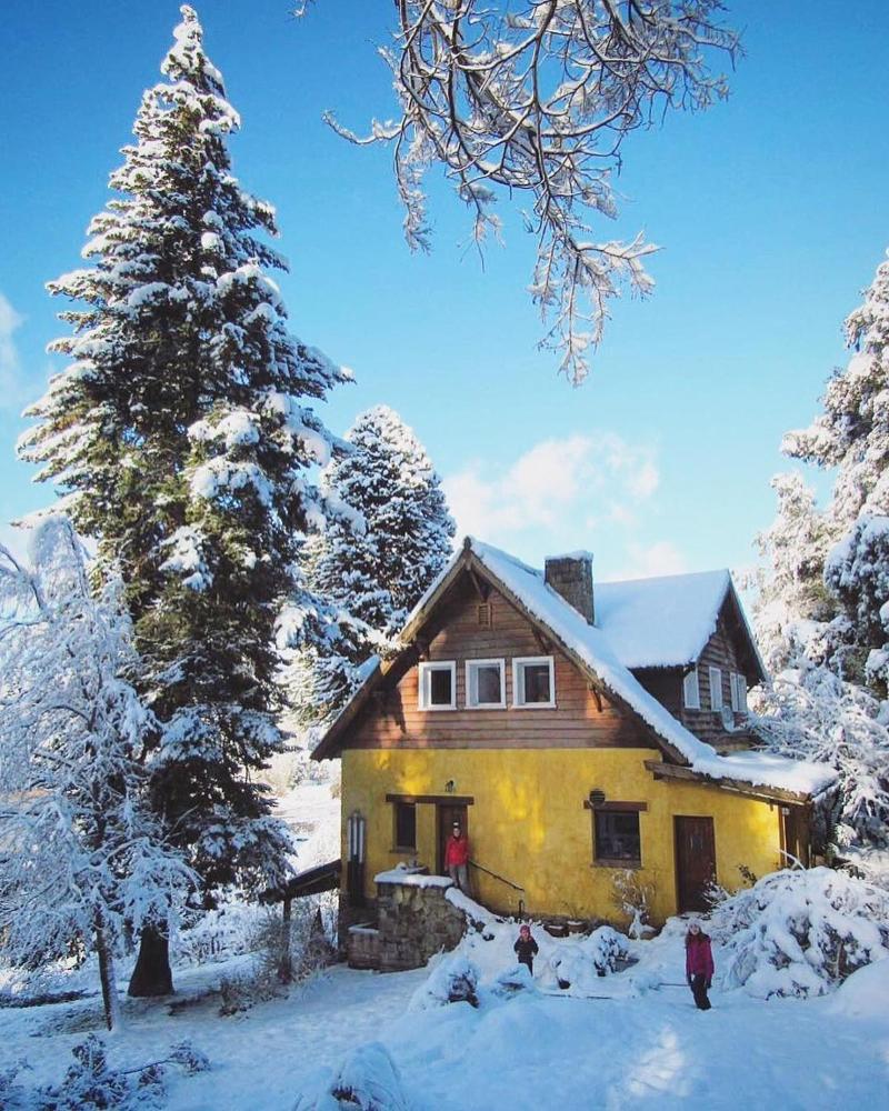 Los Juncos Patagonian Lake House