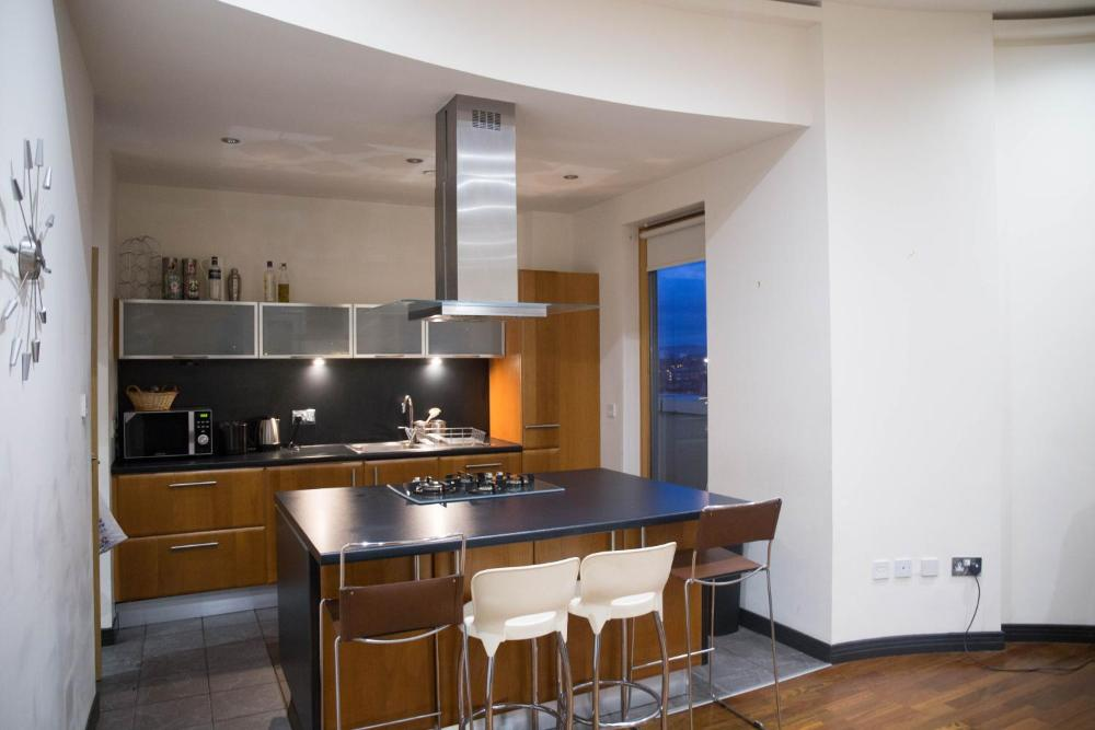 Glasgow City Centre Penthouse With Parking 3 Bedrooms 3 Bathrooms