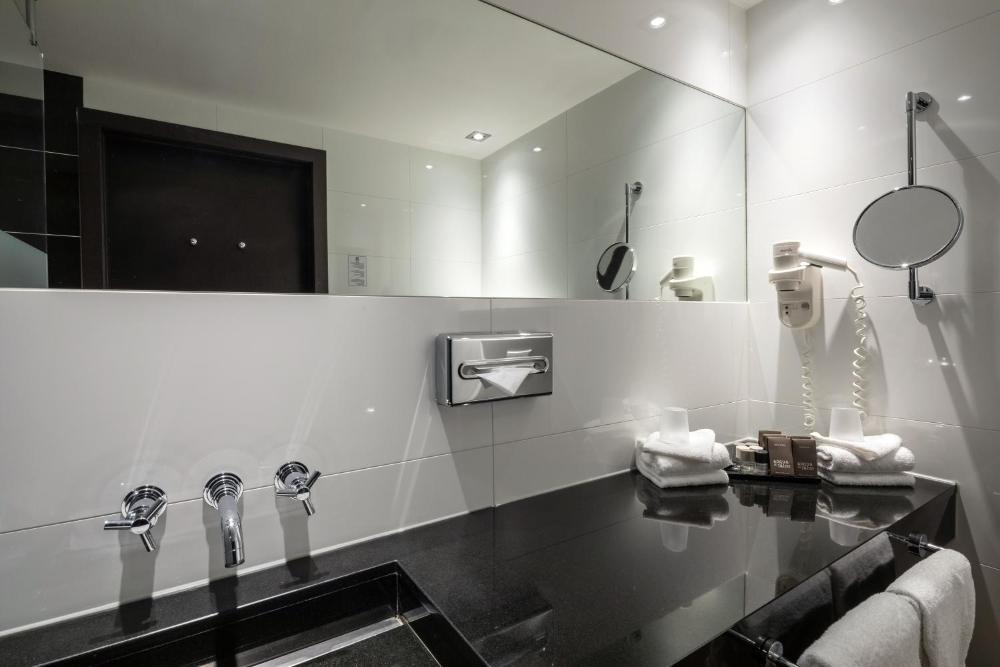 Van Der Valk Hotel Den Haag Voorschoten Prices Photos Reviews