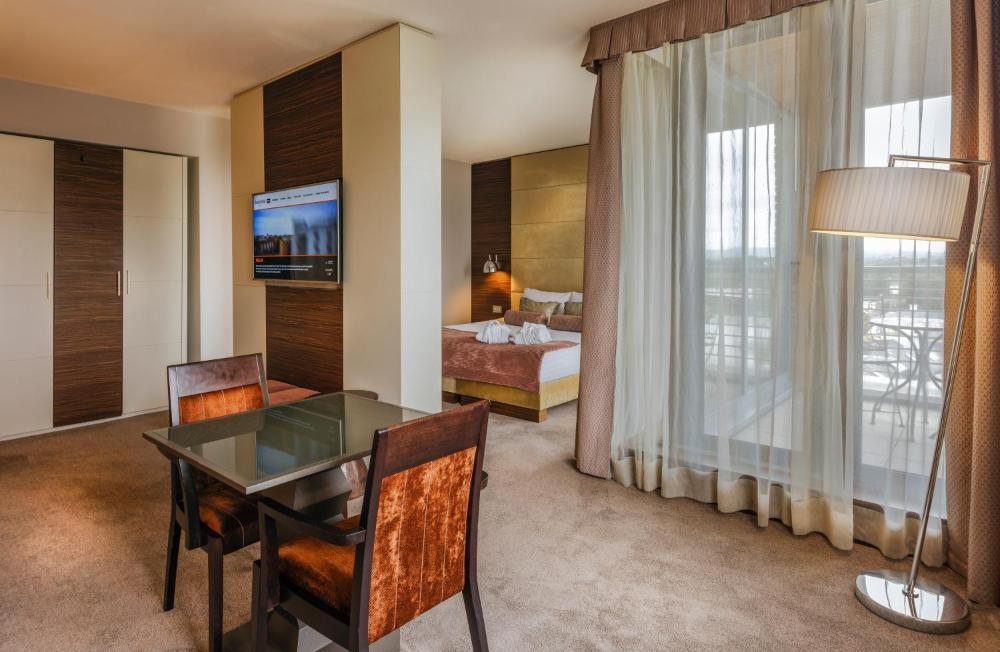 Absolute Hotel Limerick Prices Photos Reviews Address