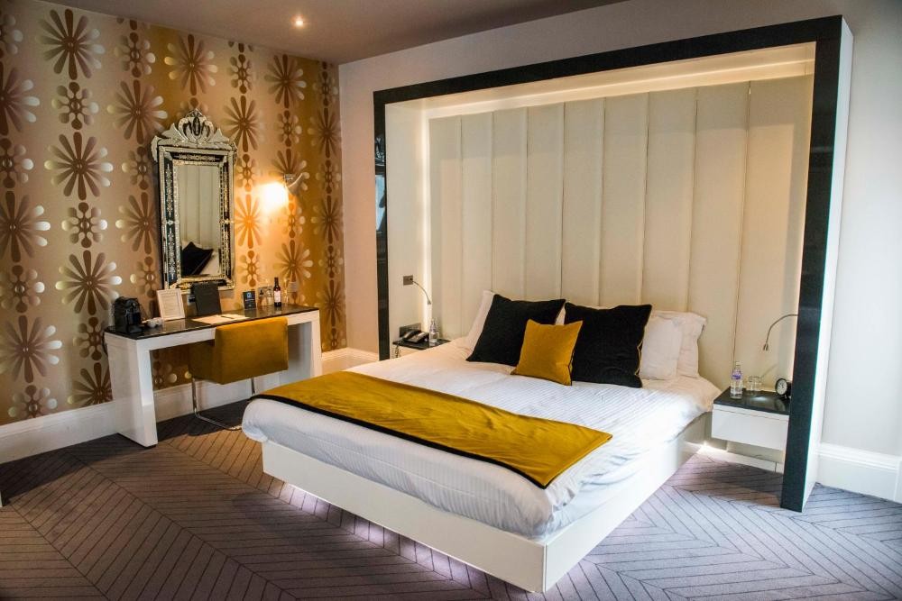 The Rutland Hotel & Apartments