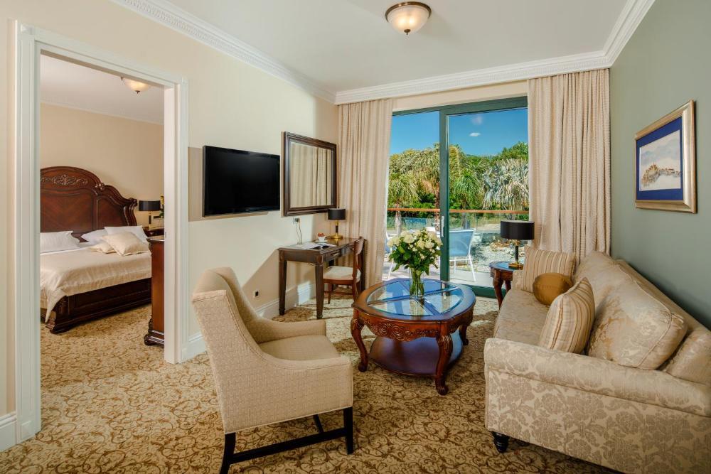 Photo - Royal Princess Hotel