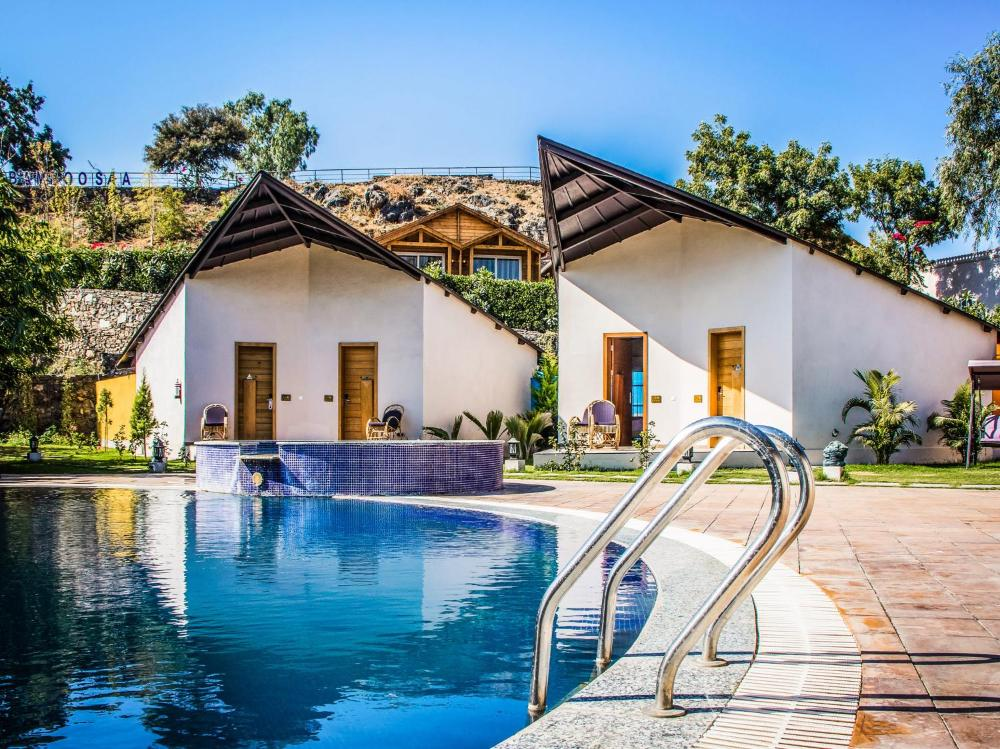 Bamboo Saa Resort & Spa