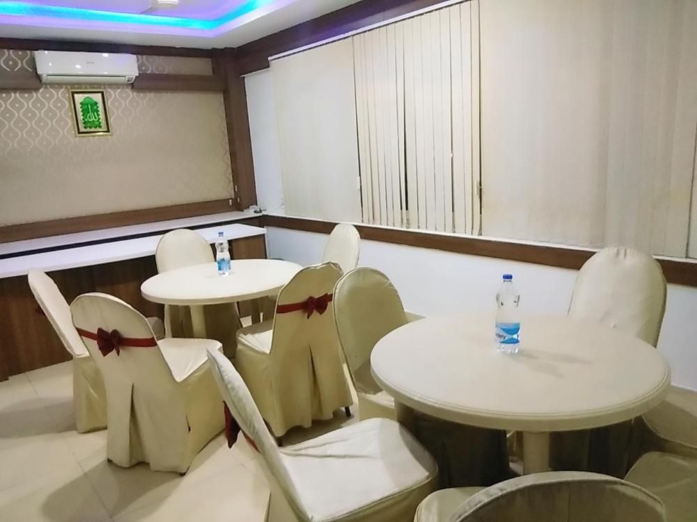 Hotel Apple Park Prices, photos, reviews, address  India