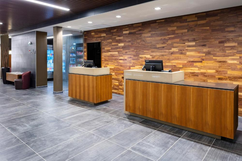 Photo - Courtyard by Marriott Indianapolis West-Speedway