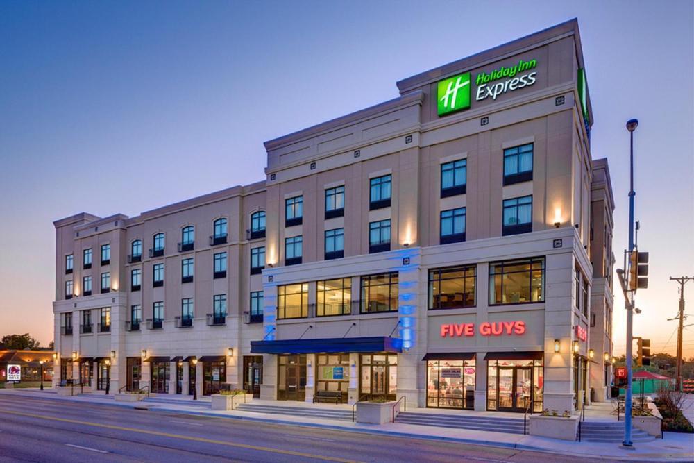 Holiday Inn Express & Suites - Kansas City KU Medical Center, an IHG Hotel