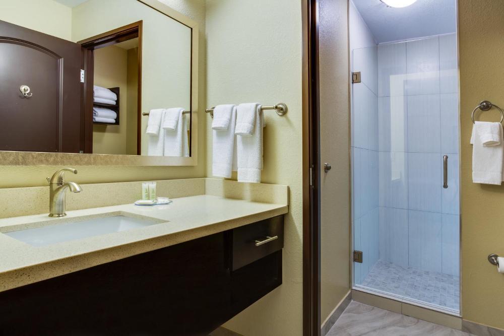 Staybridge Suites Atlanta Airport, an IHG Hotel