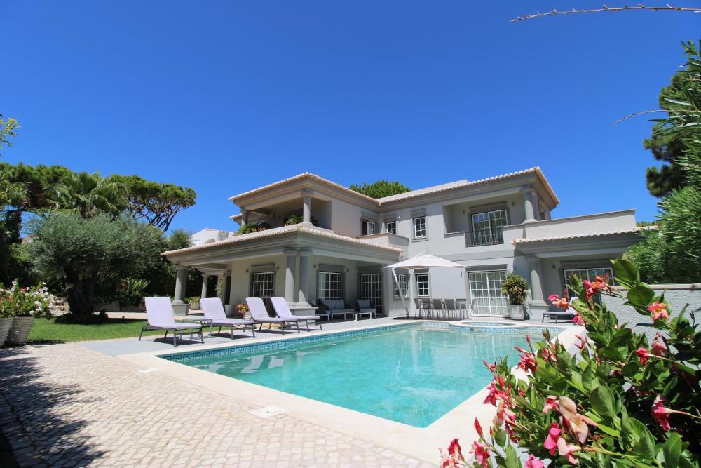 Charming Exceptional Golf Villa in Algarve