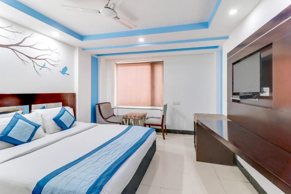 Hotel Raj villa - 5 Mint Walkable From New Delhi Railway Station