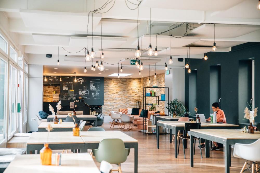 Community Hostel & Lounge by Hyve Basel SBB