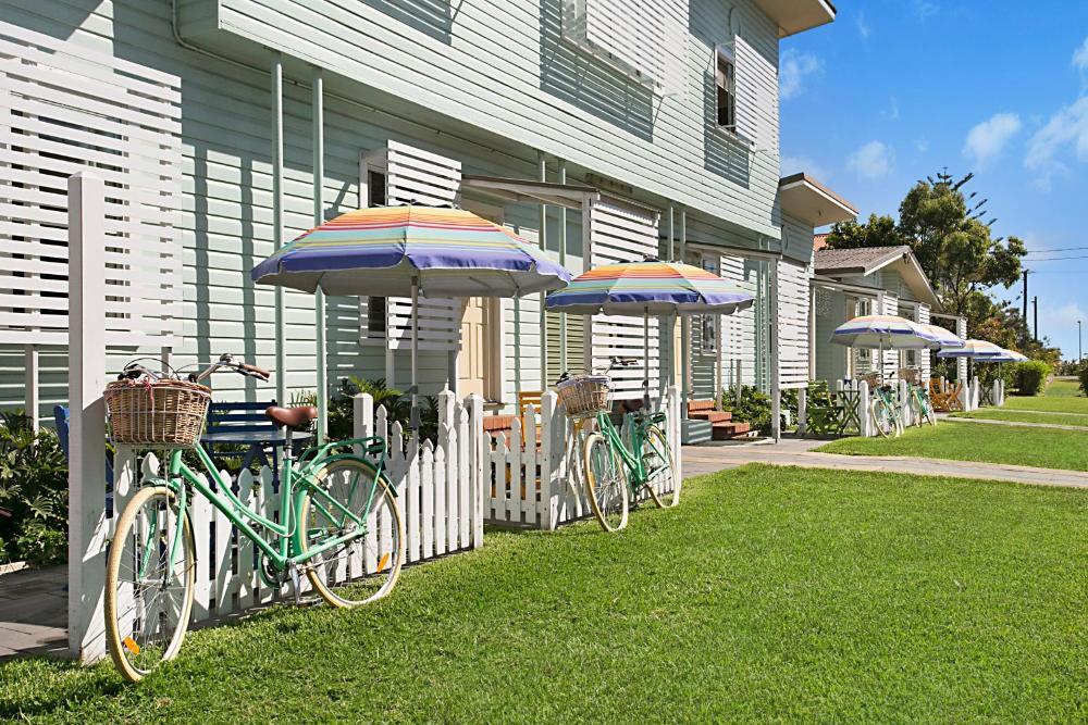 La Costa Beachside Motel