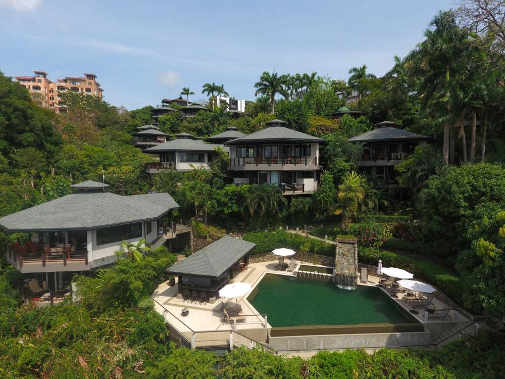 Tulemar Resort
