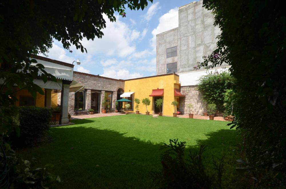 Photo - Howard Johnson by Wyndham Morelia Calle Real