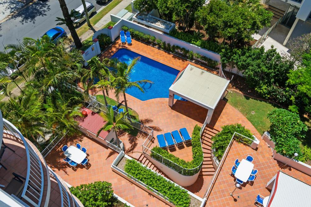 Ritz Resort - Heated Pool