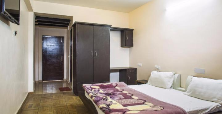 Golden Wings Apartments Hotel And Room Photos
