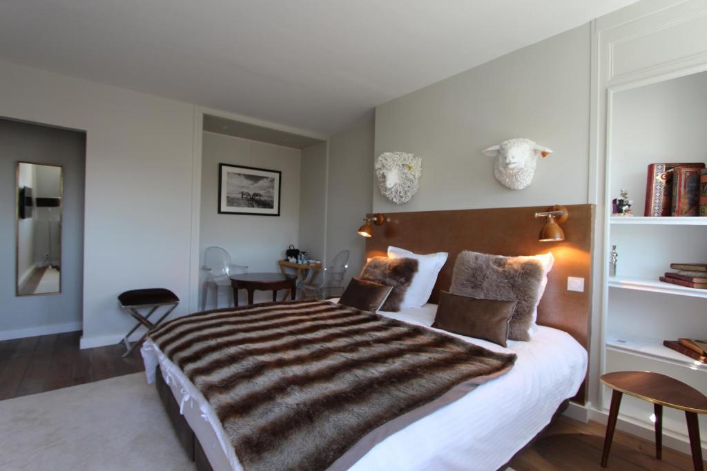 opus 15 beaumont pont l 39 v que online booking viamichelin. Black Bedroom Furniture Sets. Home Design Ideas