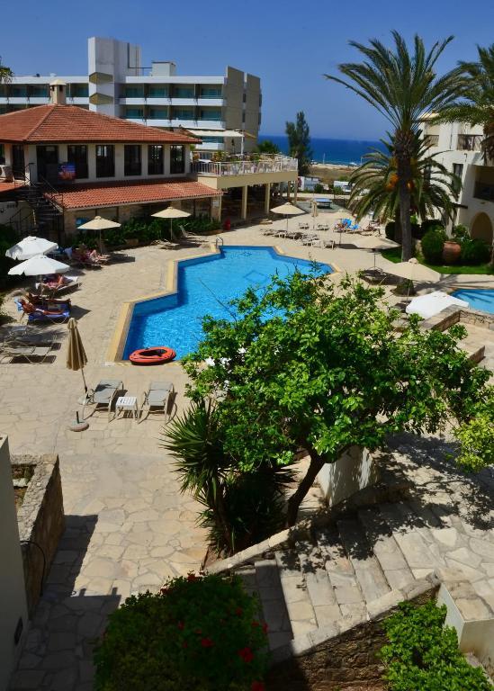 Hotel Panareti Paphos Resort