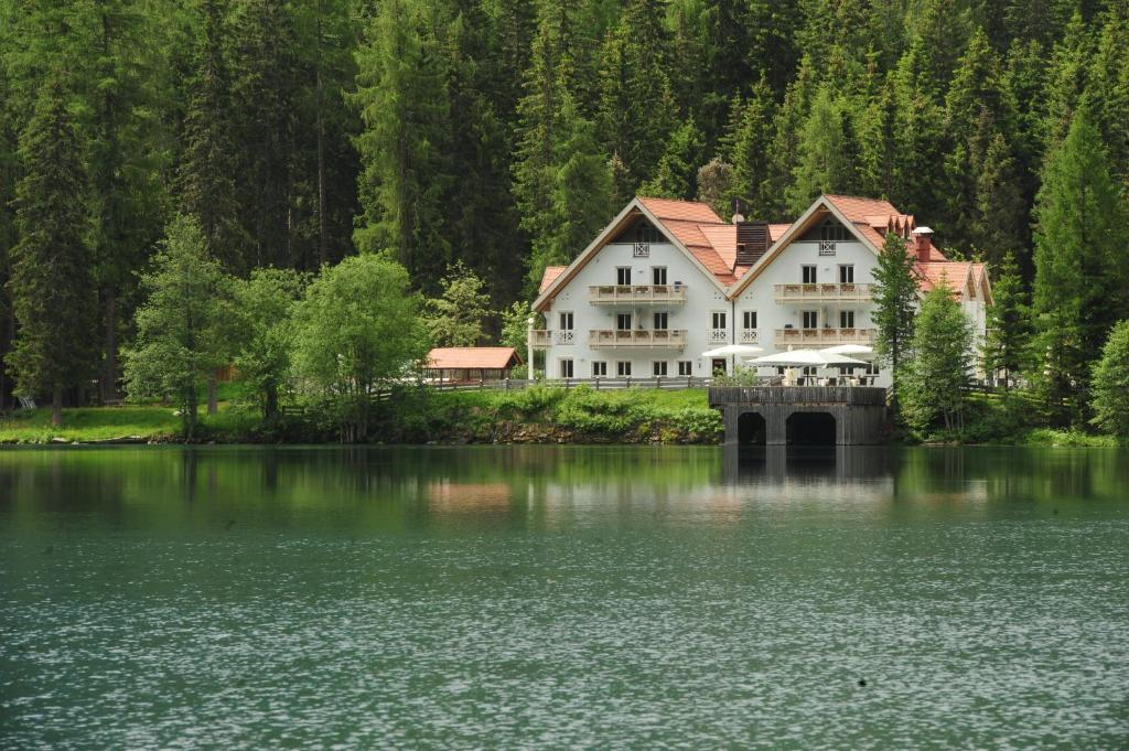 Hotel Seehaus Mountain Lake Resort Antholz