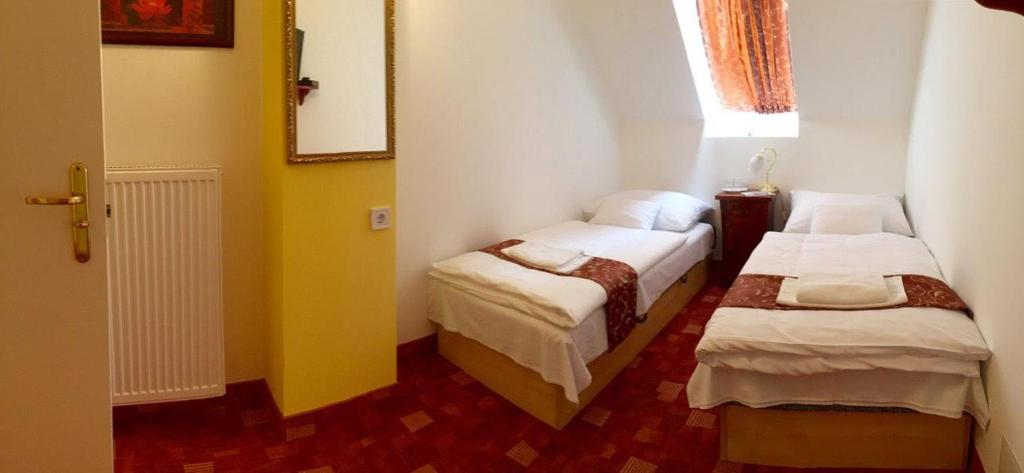 Small Twin Room Hotel Centrum