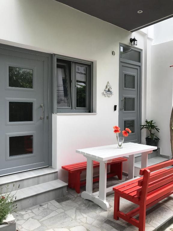 Mirtos Apartments