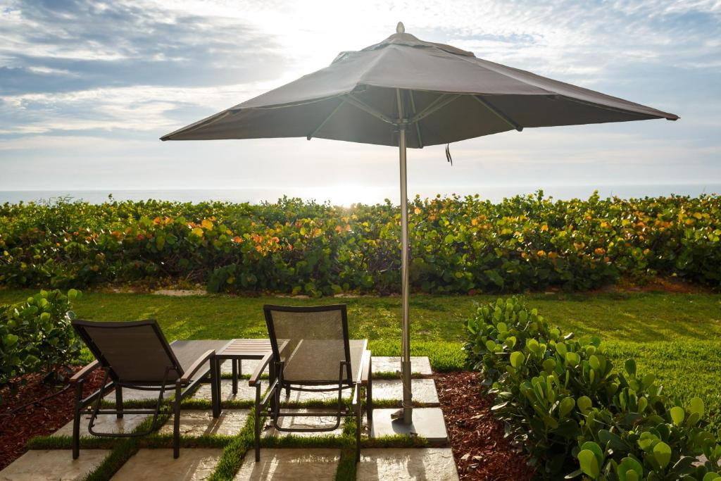 Doubletree suites by hilton melbourne beach oceanfront for Piscine b24
