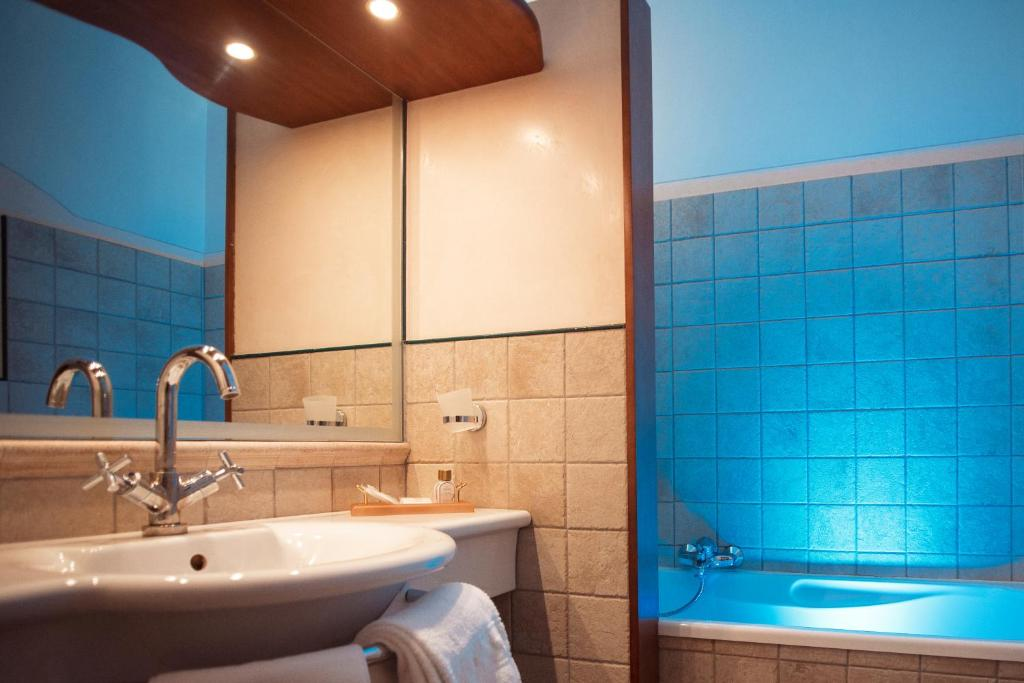 Grand hotel terme roseo bagno di romagna book your hotel with viamichelin - Grand tour bagno ...