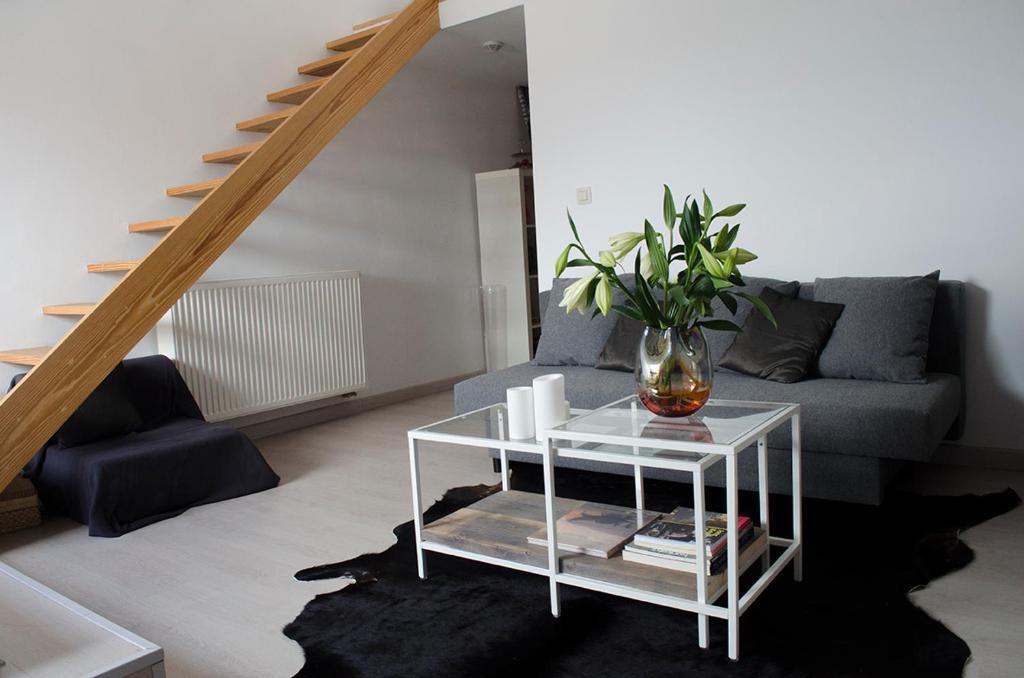 upstairs9000, 9000 Gent