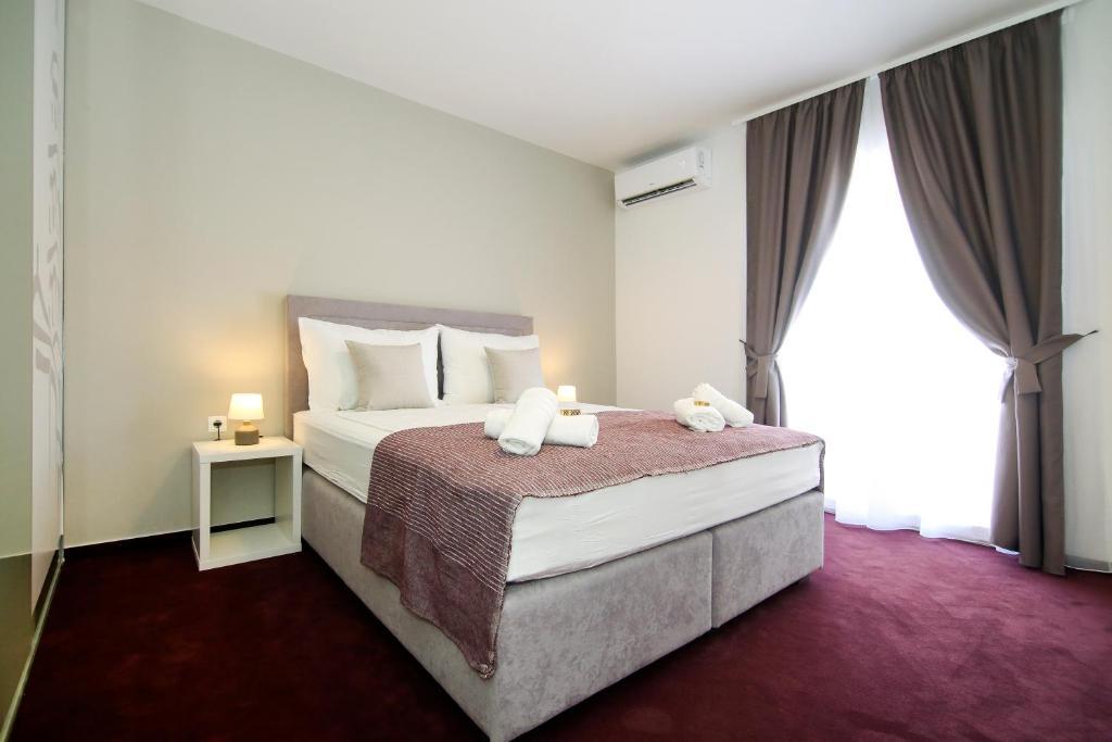 Maxim Rooms & Apartments