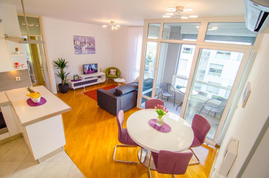 Split Apartment Sinisa
