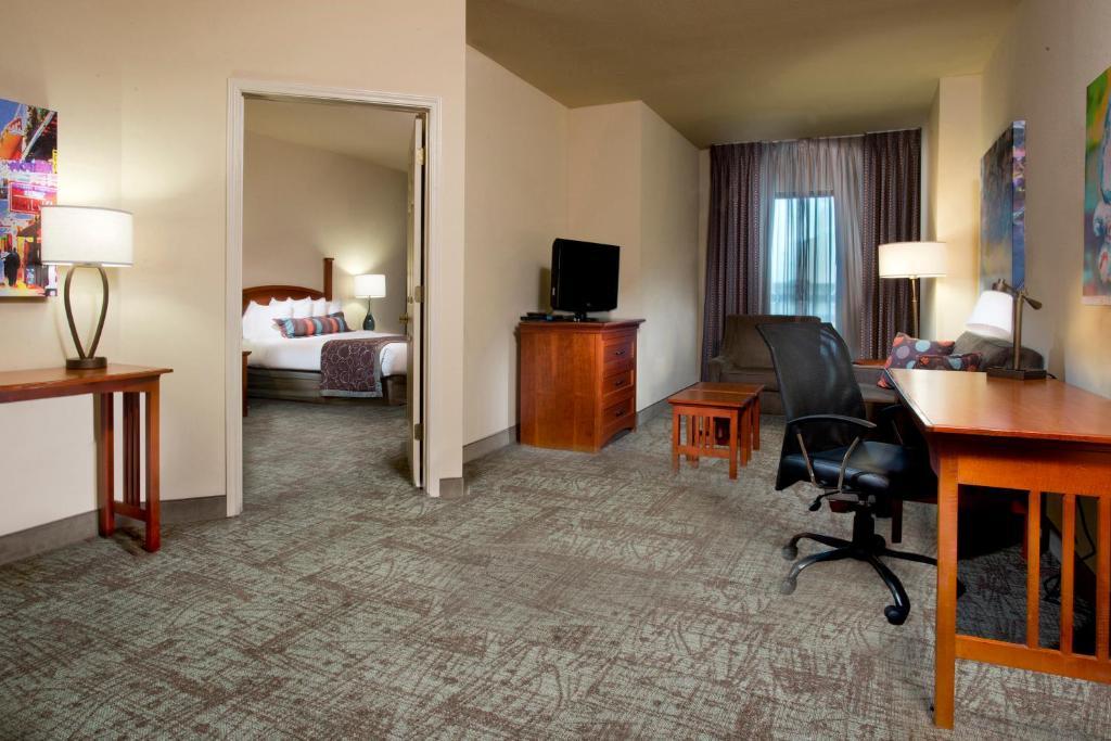 Staybridge Suites French Quarter Downtown New Orleans La 501 Tchoupitoulas 70130