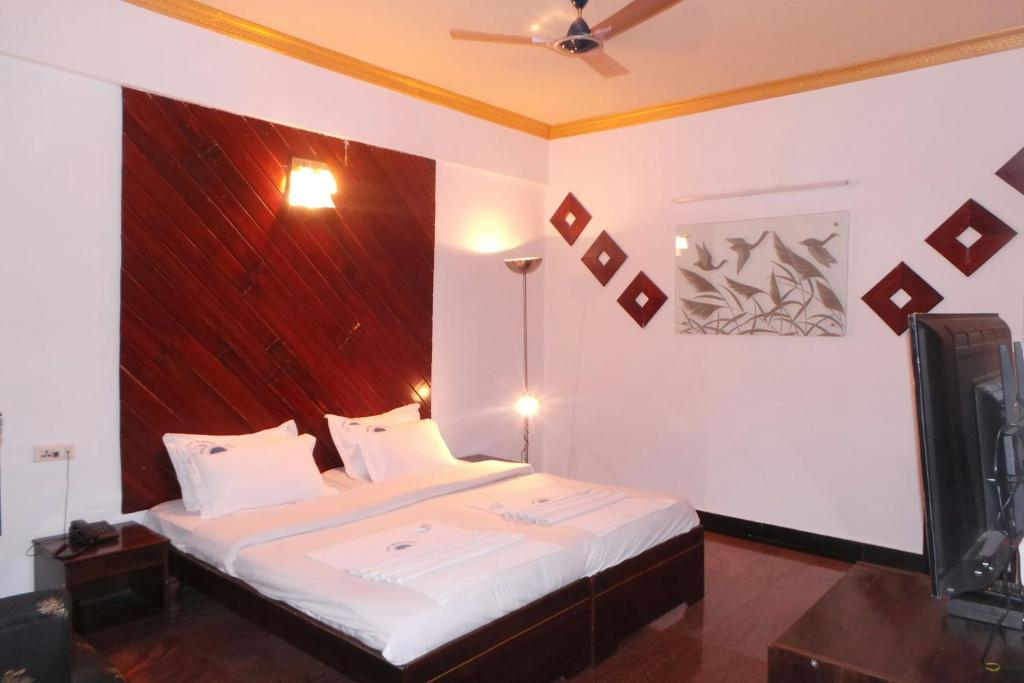 Deluxe Double Room Hotel Deva Residency